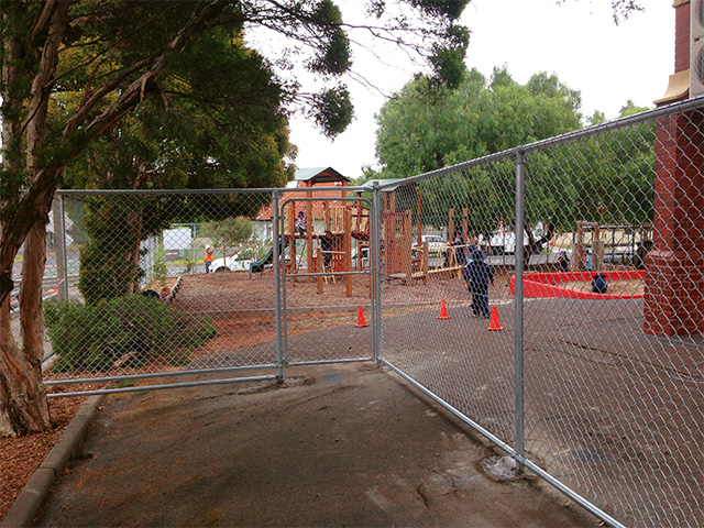 Chain mesh cage fencing - Footscray Primary School