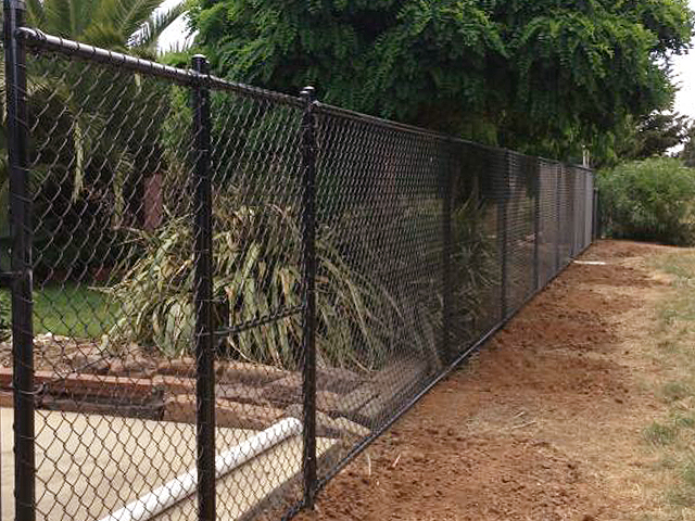 Residential chain wire mesh fencing wright contracting