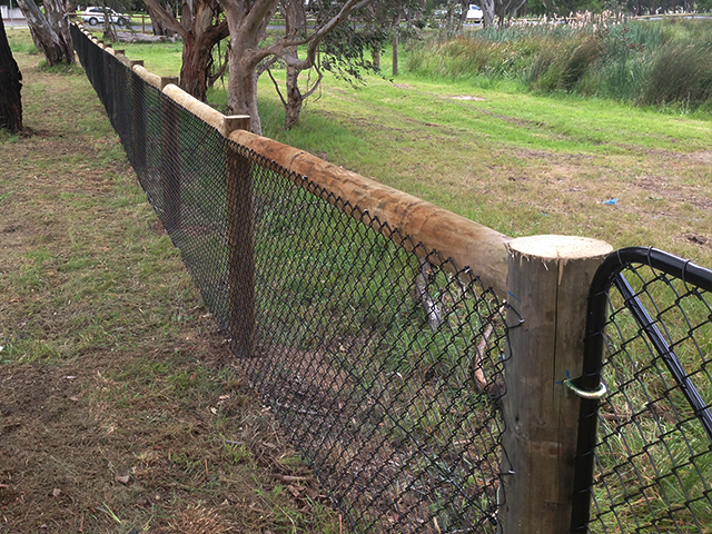 Post wire fence yarrambat wright contracting
